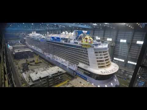 Строительство лайнера
