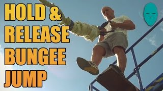 Skok na bungee bez uprzęży! Tak się to robi gdy ma się jaja ze stali!