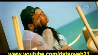 Race 2 - Deepika Padukone&Saif Ali Khan Hot Kissing Video