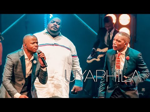 Friends In Praise ft. Sipho Ngwenya - Uyaphila Gospel Praise & Worship Song
