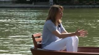 """Zwei in einem Boot"""" – das Sommerinterview des Evangelischen Fernsehens Bei einer Bootstour auf dem Kleinhesseloher See in..."""