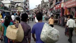 Nagpur India  City pictures : Nagpur, India -- A foreigner in Burdi