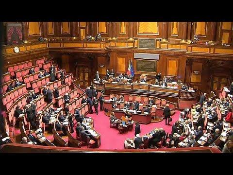 Στο δρόμο προς τις πιο αβέβαιες εκλογές βαδίζει η Ιταλία