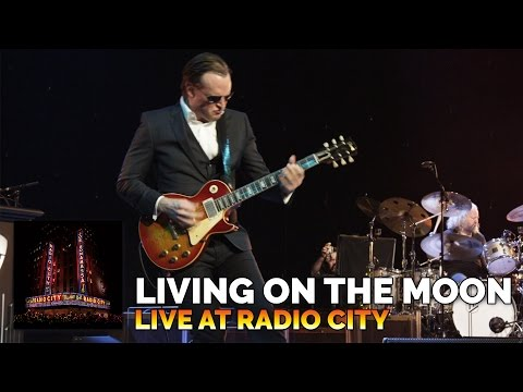Living on the Moon (Live)