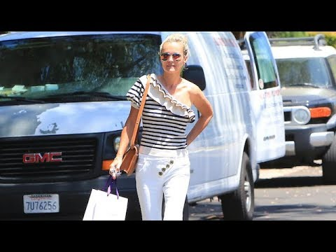 Laeticia Hallyday Replenishes Her Beauty Supplies In Beverly Hills
