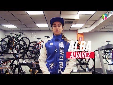 Alba Álvarez, última presentación de triatletas del Team Claveríapara la temporada 2018