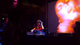 FRAULEIN Z playing Abstract to Concrete - David Temessi remix @ Herr Zimmerman