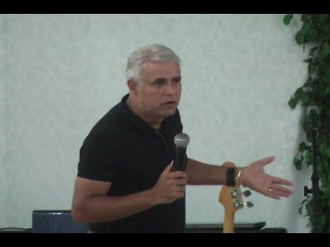 Pastor Cláudio Duarte realiza seminário em Pontes e Lacerda