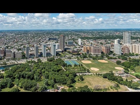 Apartment video walk-through – a studio and 1-bedroom in Lakeview at Sheridan Shores