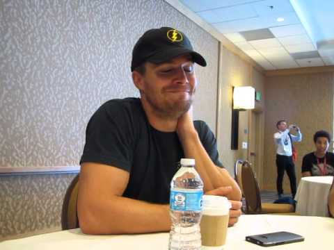 Stephen - Here's our interview with Arrow's Stephen Amell (Oliver Queen) at the Arrow press room at San Diego Comic Con on July 26, 2014. Warning, S3 spoilers, and also some news that's going to make...