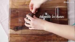 Cómo hacer huevos de chocolate para Pascua