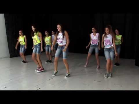 Coreografía de Live While We're Young de One Direction / TKM