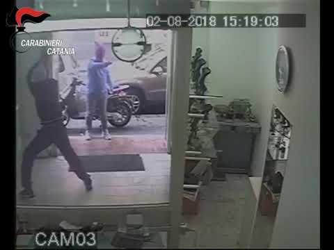 Tentata rapina in gioielleria IL VIDEO