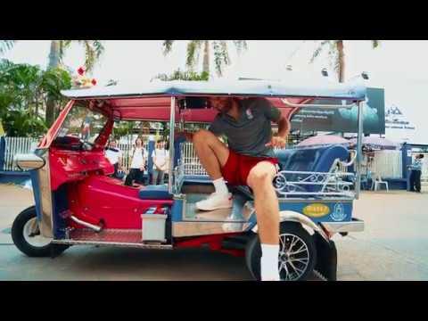 ROBIN LOPEZ TAKES ON A THAILAND TUK TUK