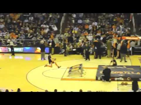 Kid Dunks Himself At Phoenix Suns Halftime Show