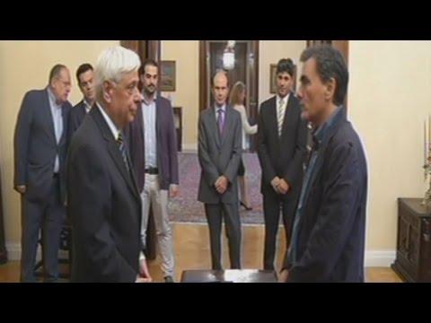 Ορκίσθηκε ο Ε. Τσακαλώτος ως νέος υπουργός Οικονομικών