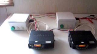El codificador de tonos corresponde a un equipo Kenwood TK-7160, tambien puede ser reemplazado por otros equipos de radio tales como: Motorola PRO5100, 3100, entre otros. Ademas por una consola Zetron de un modelo que cumpla con los requisitos necesarios. Como decodificadores estan estos dos equipos de radio que cumplen ambas funciones de transceptores y decodificadores a la vez, sin necesidad de utilizarlos independientes.En el video se puede mostrar que se envian dos tonos por cuartel, y mediante la consola blanca se activan los timbres y/o luces de las dependencias e incluso activacion de alarmas y parlantes segun requerimiento de cada cliente.Para adquirir este sistema o productos similares contactate al correo c.a.radiocomu@gmail.com Mas adelante subire mas videos de demostraciones.