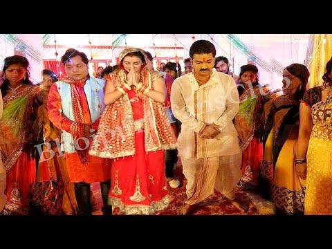 Video पवन अक्षरा ने कर लिया शादी देखिये वीडियो | Pawan Singh And Akshara Singh Marriage | Bhojpuri News download in MP3, 3GP, MP4, WEBM, AVI, FLV January 2017