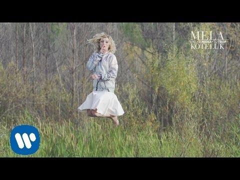 Tekst piosenki Mela Koteluk - To trop po polsku
