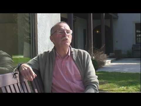 Alain répond à la question : 'EpiConcept est une société privée qui fait des profits non ?' (anglais)