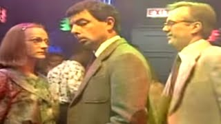 MrBean - Mr Bean - Dancing at a nightclub