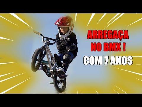 ANDA MUITO DE BMX APENAS 7 ANOS !!! (видео)