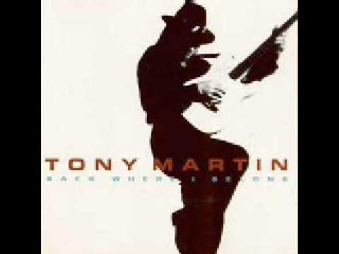 Tekst piosenki Tony Martin - India po polsku