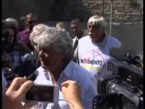 BEPPE GRILLO VISITA LA DISCARICA DI COLLETTE OZOTTO
