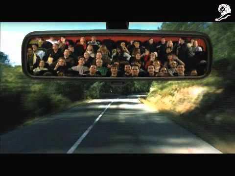 0 Au cinéma, Europcar met les spectateurs dans un rétroviseur