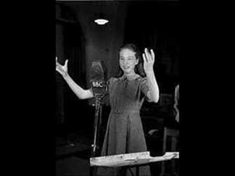 12 year old Julie Andrews~Polonaise; Je suis Titania - Mignon