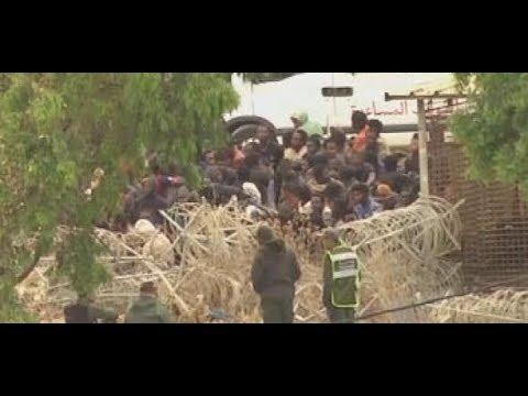 Spanische EXKLAVE CEUTA in Marokko: Hunderte Migranten stürmen Grenzzaun