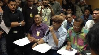 Video Video Jumpa Pers di KPK tentang dugaan korupsi & Rekening Jokowi di Luar Negeri + BRUTALITAS APARAT MP3, 3GP, MP4, WEBM, AVI, FLV Desember 2018