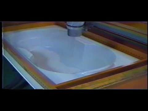 Acrylic Bathtub Vacuum Forming Machine with Oven from www.kuanghsing.com.tw