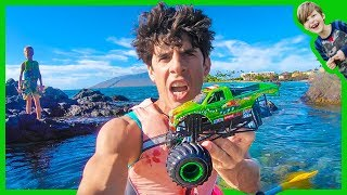 Video Monster Truck Rescued at SEA! MP3, 3GP, MP4, WEBM, AVI, FLV Desember 2017