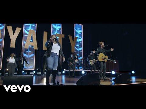 Tasha Cobbs Leonard - God So Loved ft. We The Kingdom (Live)