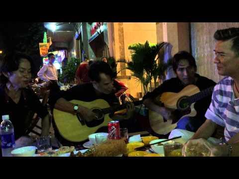 Đàm Vĩnh Hưng và Hồng Ngọc giao lưu ca hát đường phố cực vui (phần 2)