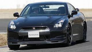 Nissan GT-R by autocar.co.uk