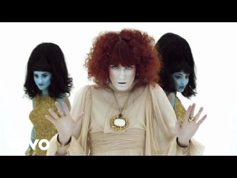Florence + The Machine – Dog Days Are Over (2010 Version)