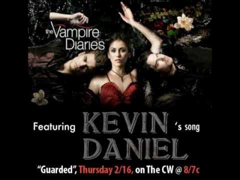 Tekst piosenki Kevin Daniel - Guarded po polsku