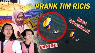 Video RICIS JATUH DARI PARASAILING, TIM RICIS PANIK😛 Cieee Perhatiaann.. wkwk MP3, 3GP, MP4, WEBM, AVI, FLV September 2019