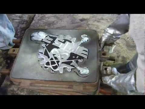 moldes de aluminio - Práctica de laboratorio donde hacemos la fundición de aluminio y vertemos en molde de arena para la obtención del escudo de la ESIME Azcapotzalco. Se muestra...