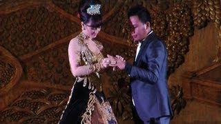 Video Zaskia Shinta Dilamar Pengusaha - Was Was 2 September 2013 MP3, 3GP, MP4, WEBM, AVI, FLV Februari 2018