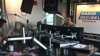 Jaydee de Jong 10 jaar leest nieuws bij Radio Decibel