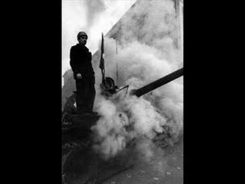Tekst piosenki Pidżama Porno - Grudniowy blues o Bukareszcie po polsku