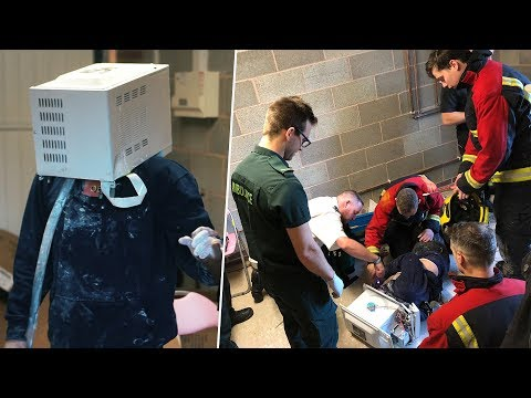 I cemented my head in a microwave and emergency services came.. (nearly died)