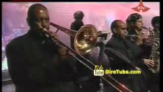Hamelmal Abate - Enkuwan Aderesachu - Live @2004 New Year Festival In Addis