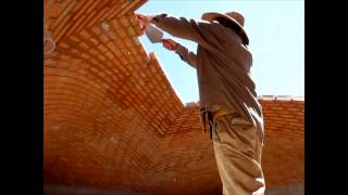 Video Bricklayers defy gravity, Impressive dome building without any support MP3, 3GP, MP4, WEBM, AVI, FLV September 2018