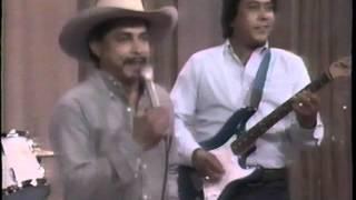 video y letra de Pienso en ti  por Emilio Navaira