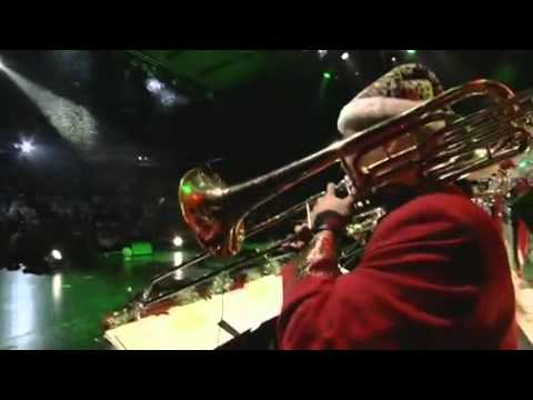 The Brian Setzer Orchestra - Jingle Bells lyrics