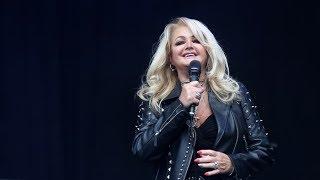 """Fragmento de """"Metadata"""" emitido el Lunes 21 de Agosto de 2017. Bonnie Tyler cantó su clásico tema durante el gran eclipse..."""